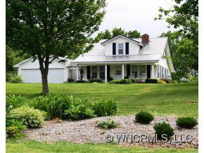 855 South Main Street, Mars Hill, NC 28754 (#NCM527937) :: Exit Realty Vistas