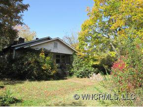 845 Asbury Rd, Candler, NC 28715 (#NCM527957) :: Exit Realty Vistas