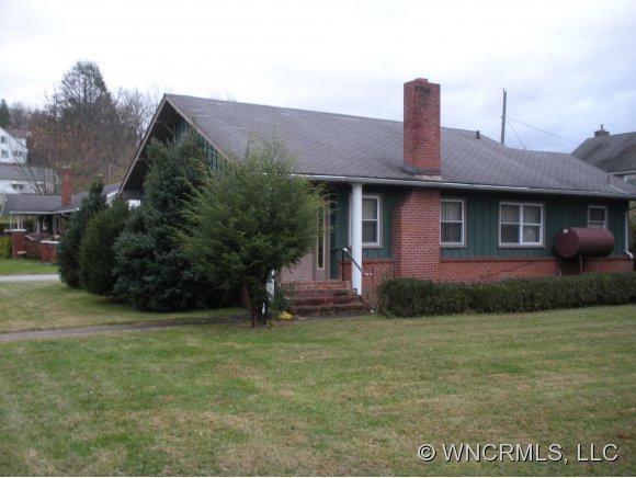 52 Wesley, Canton, NC 28716 (#NCM527966) :: Exit Realty Vistas