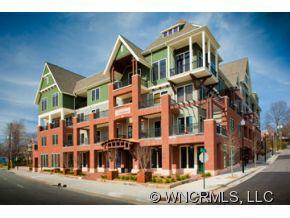 190 Broadway Street Unit 403, Asheville, NC 28801 (#NCM528195) :: Exit Realty Vistas