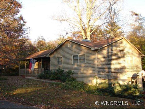 2 Shadowbrook Lane, Weaverville, NC 28787 (#NCM528220) :: Exit Realty Vistas