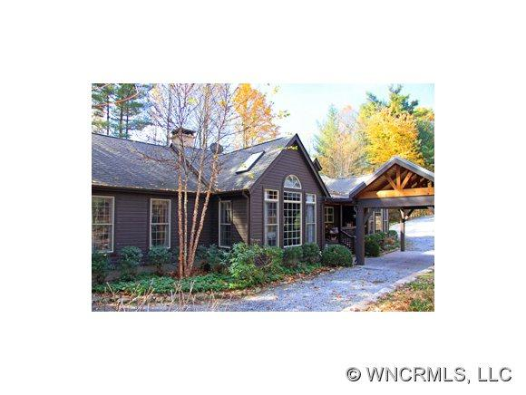 19 Mills Creek Trace, Lake Toxaway, NC 28747 (#528237) :: Exit Realty Vistas