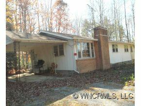 106 Nash Lane, Hendersonville, NC 29792 (#NCM528336) :: Exit Realty Vistas