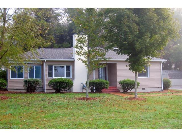 1994 Haywood Road, Hendersonville, NC 28791 (#3330219) :: Caulder Realty and Land Co.