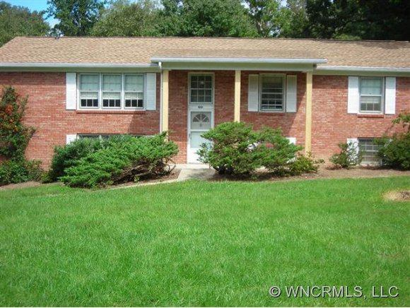 1224 Glenheath, Hendersonville, NC 28791 (#NCM525714) :: Exit Realty Vistas