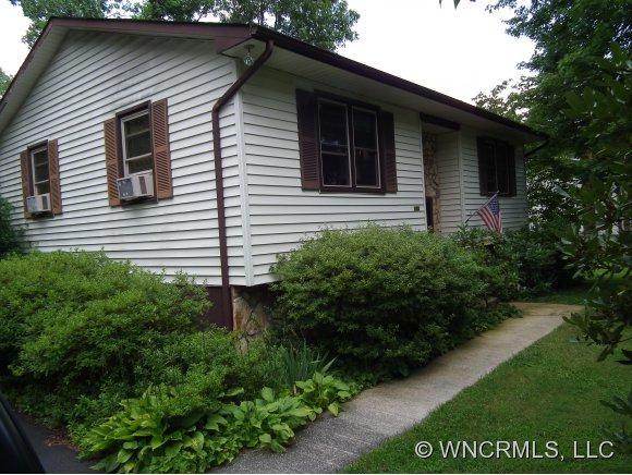 105 Taylor, Black Mountain, NC 28711 (#NCM526083) :: Exit Realty Vistas