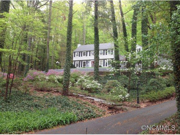 212 Estate Drive, Hendersonville, NC 28739 (#NCM526307) :: Exit Realty Vistas