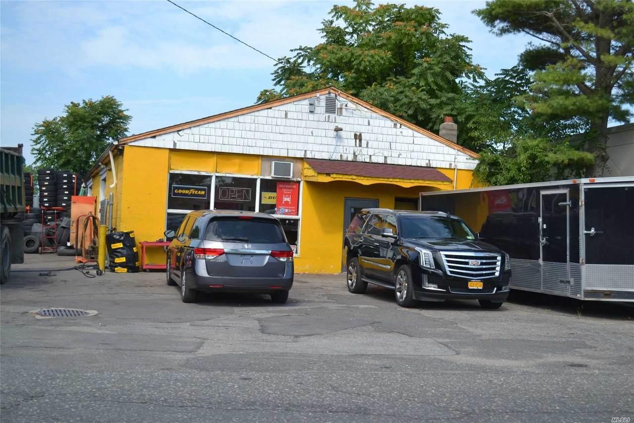 116 Saxon Avenue - Photo 1