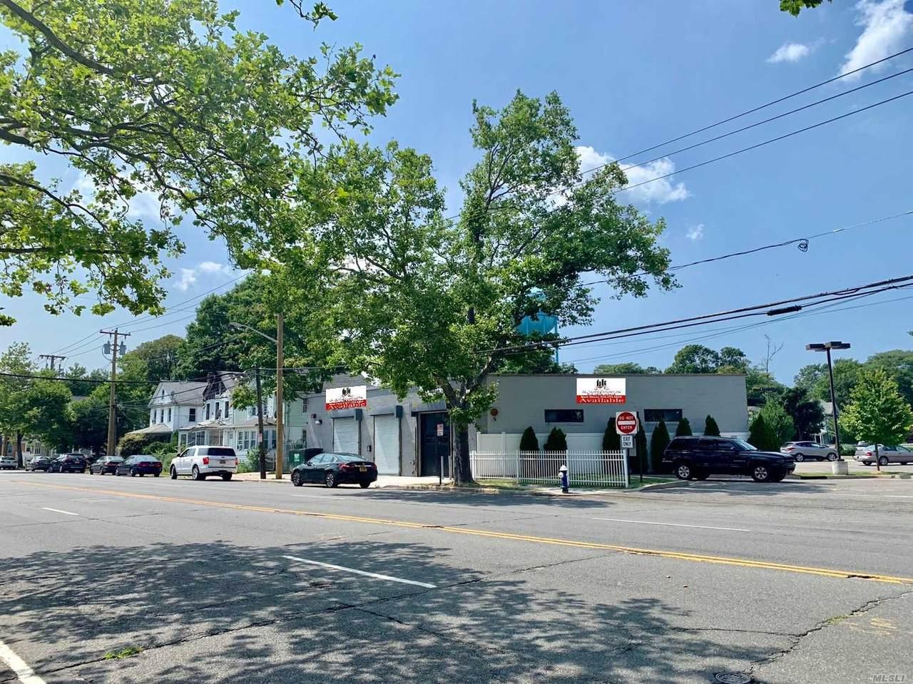 39 Graham Avenue - Photo 1