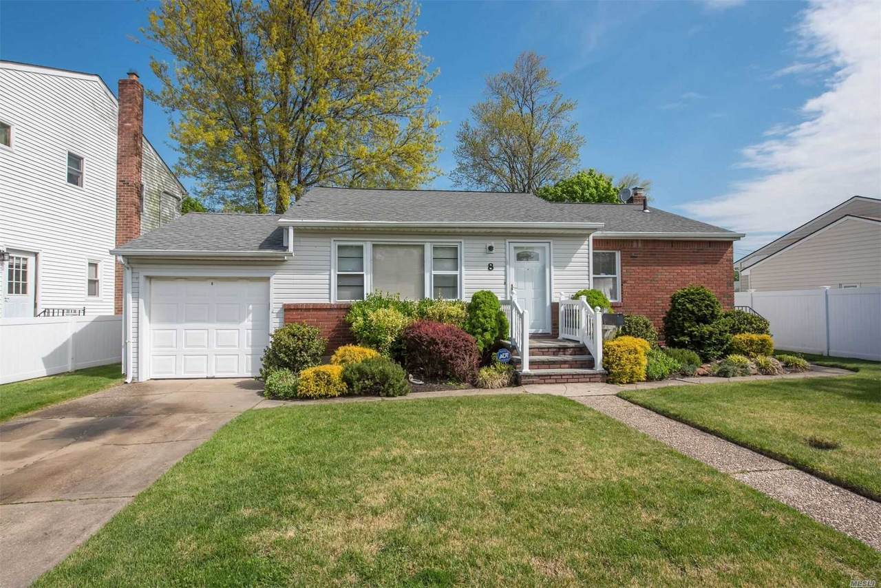 8 Linden Ct - Photo 1
