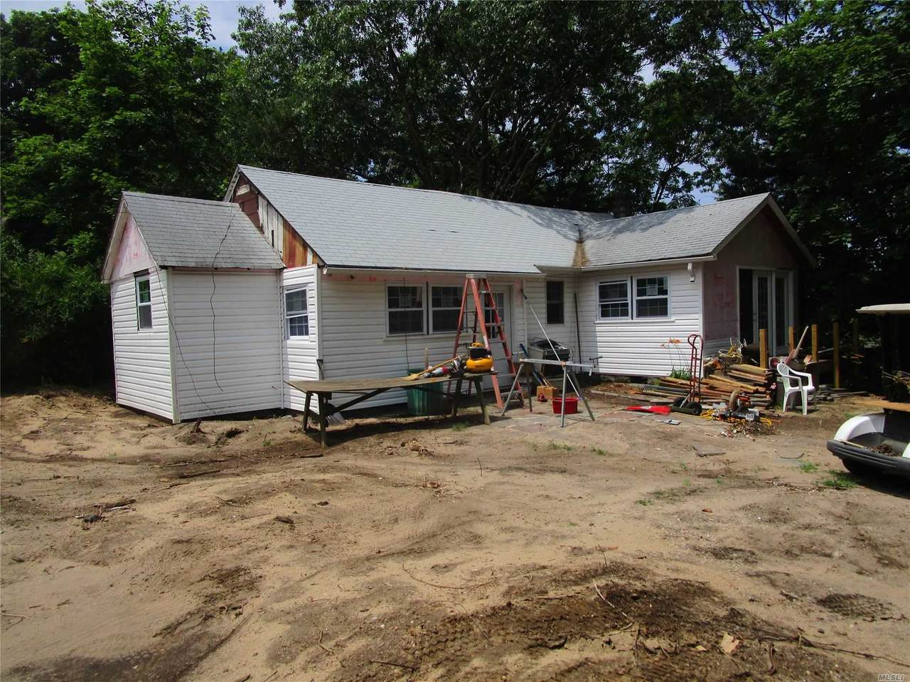 7 Long Island Avenue - Photo 1