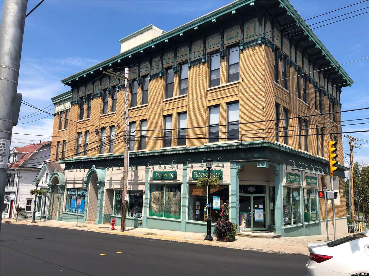 303 Main Street - Photo 1