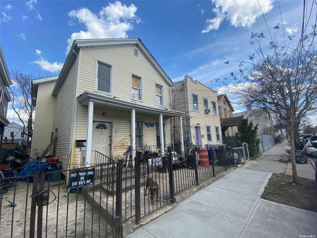 343 Warwick Street - Photo 1