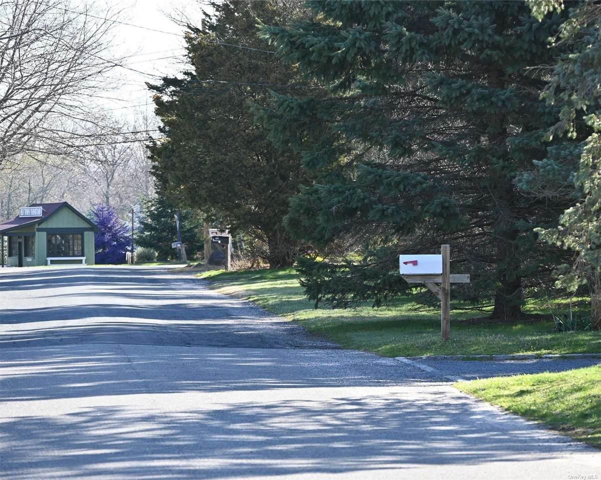 515 Grange Road - Photo 1