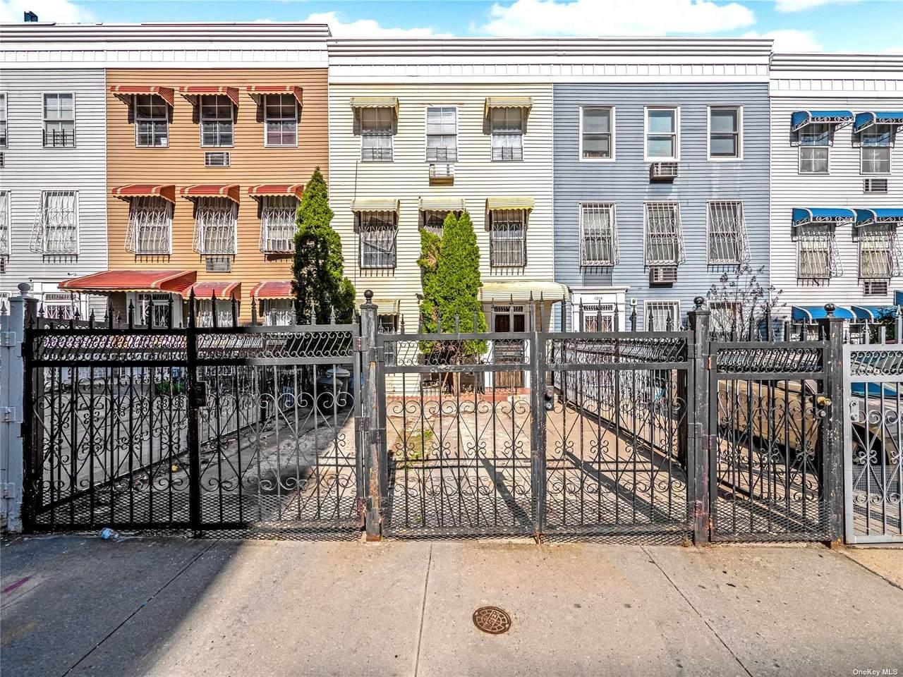 1517 Popham Avenue - Photo 1