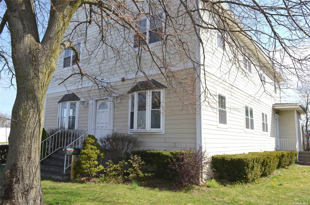 409 Patchogue Road - Photo 1