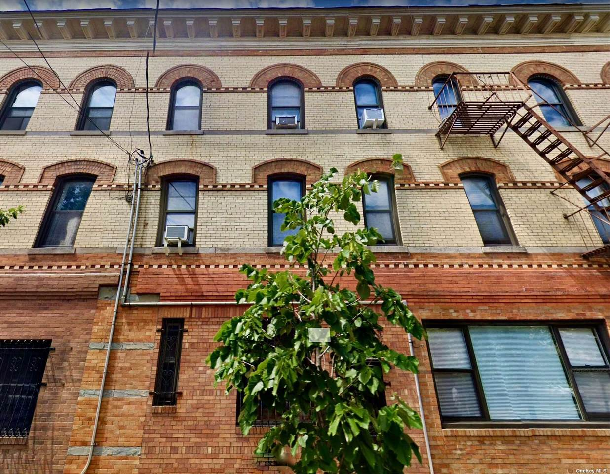 677 Grandview Avenue - Photo 1