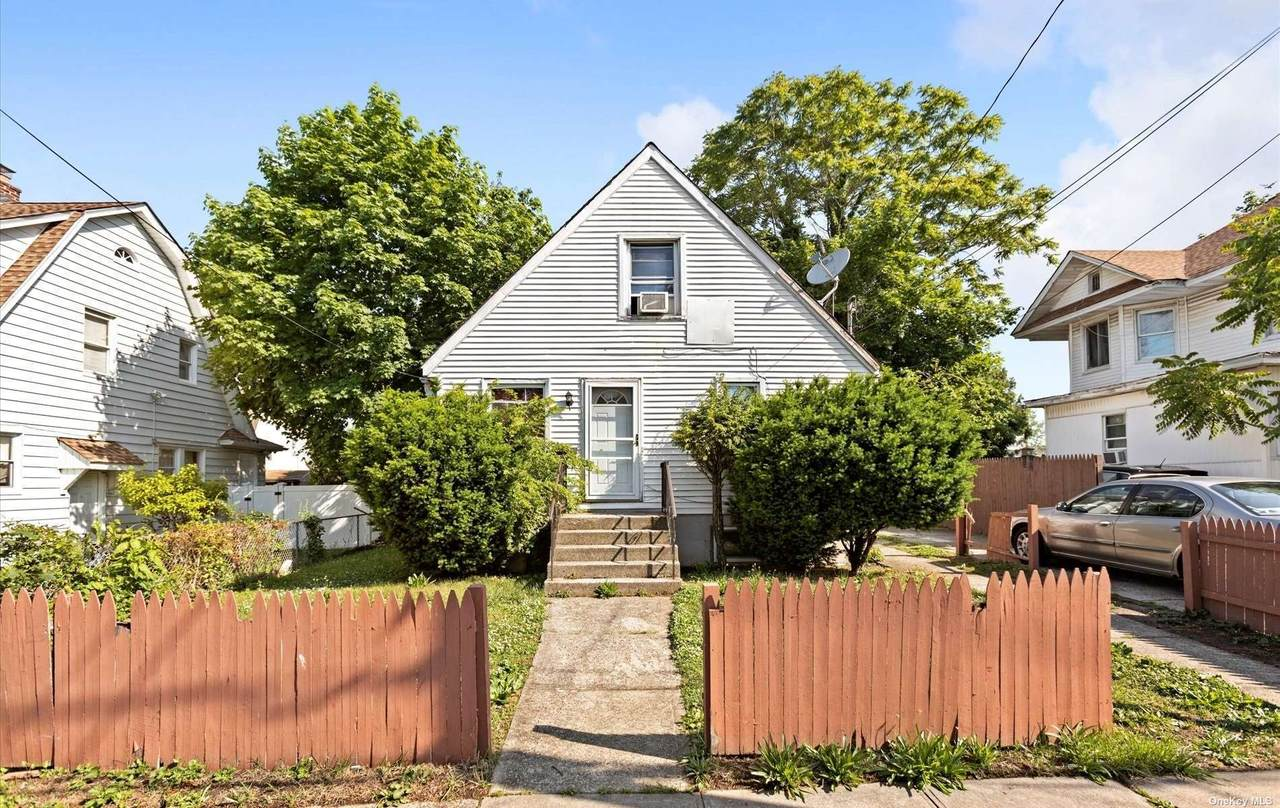 31 Elizabeth Avenue - Photo 1