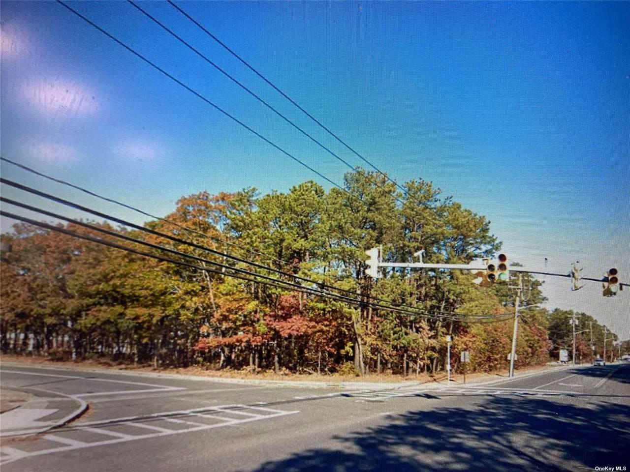 Mastic Road - Photo 1