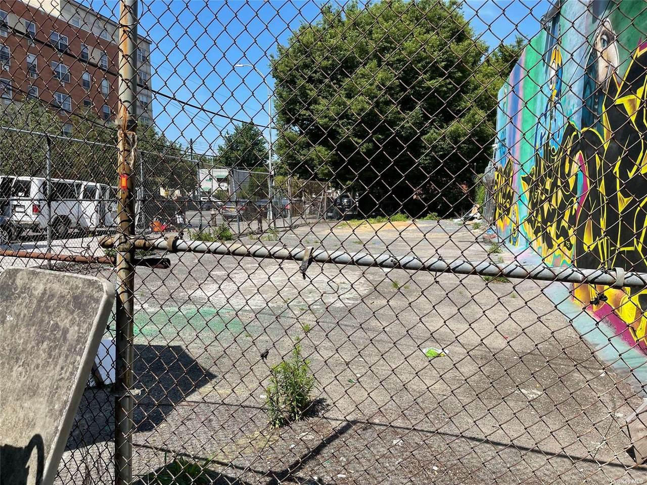 1283 Louis Nine Boulevard - Photo 1