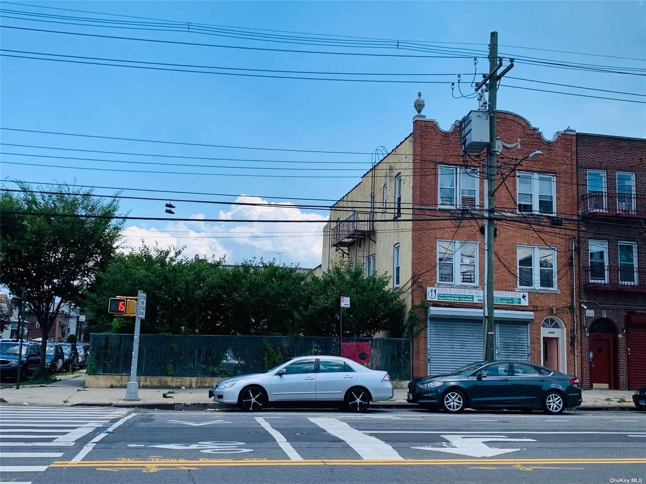 3988 Bronxwood Avenue - Photo 1