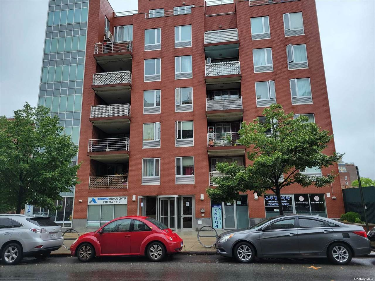 38-30 Parsons Boulevard - Photo 1