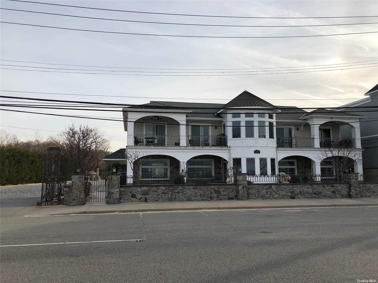 24 Bayville Avenue - Photo 1