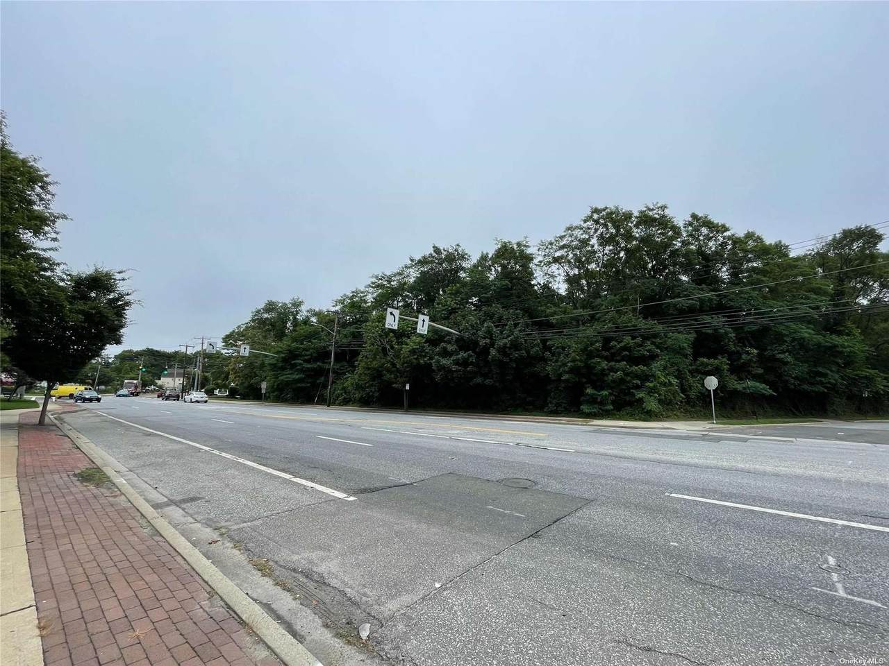 5850 Merrick Road - Photo 1