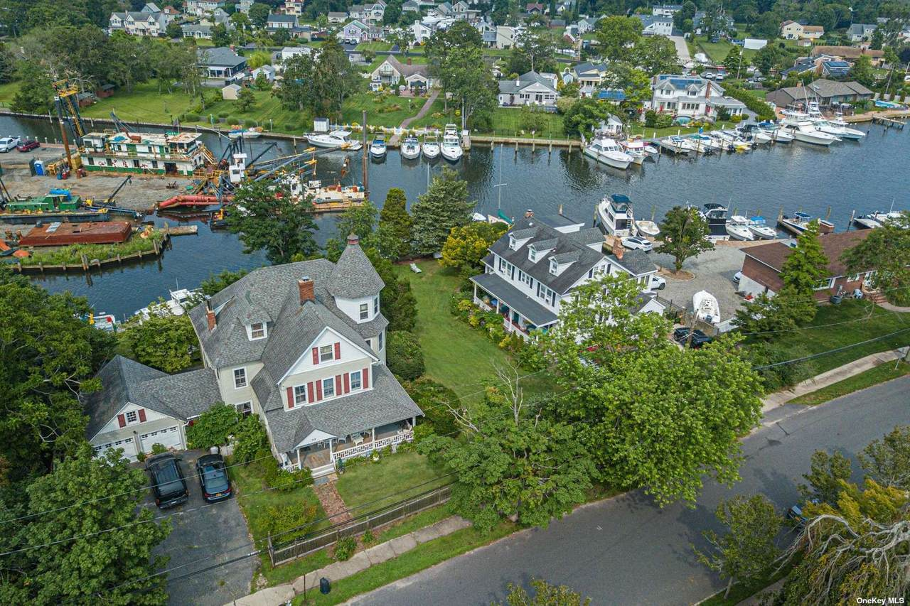55 Shore Lane - Photo 1