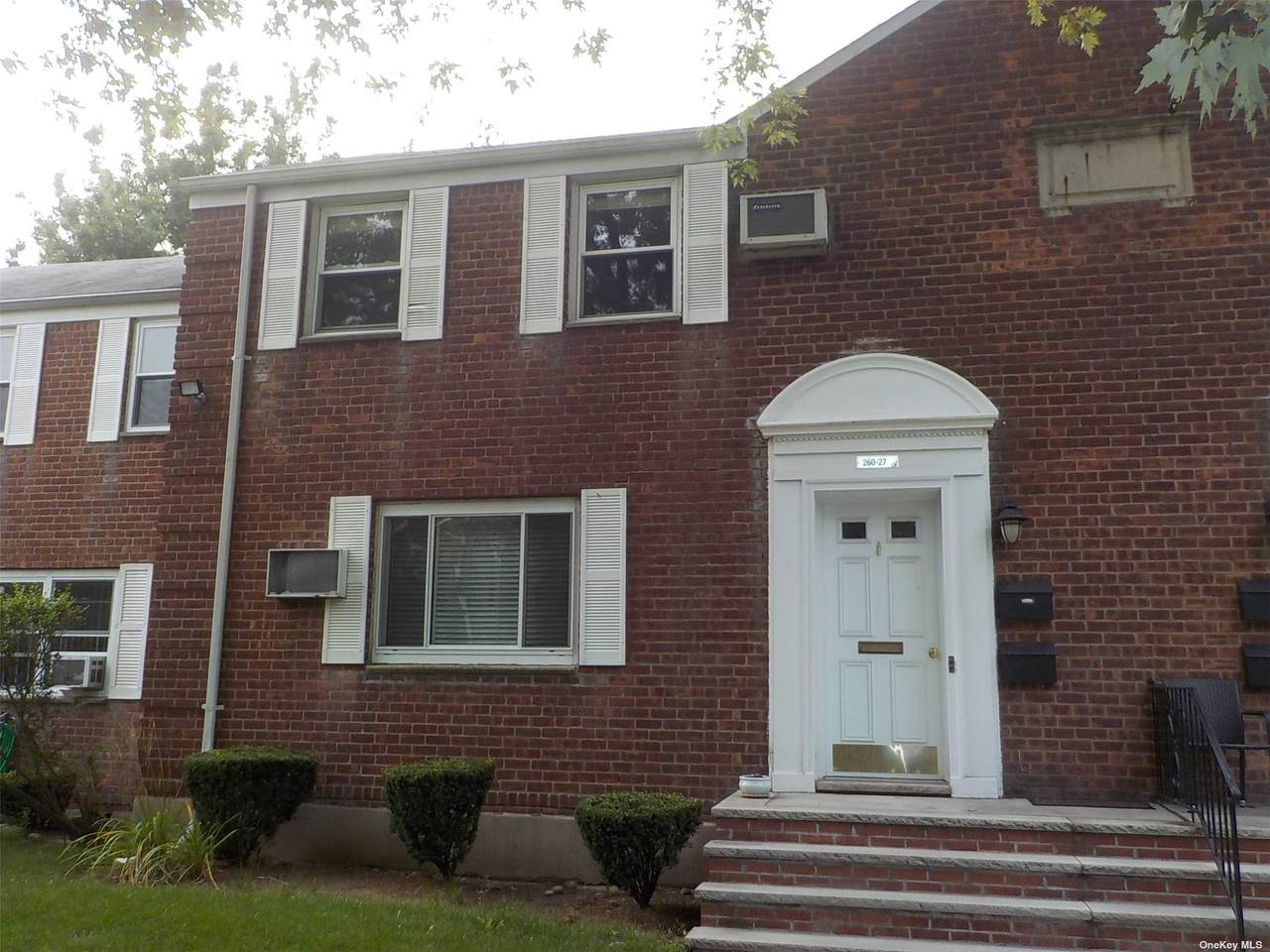 260-27 Langston Avenue - Photo 1