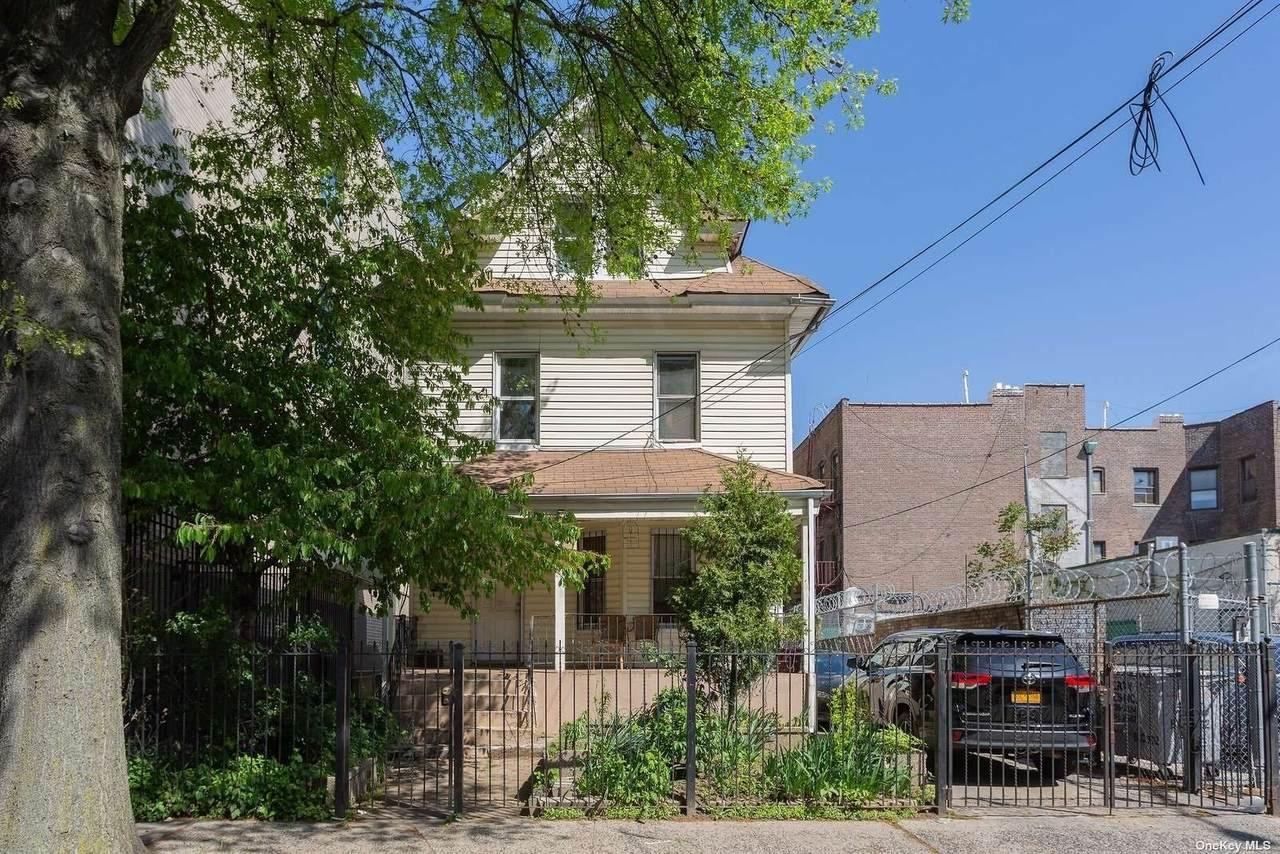 153-35 88 Avenue - Photo 1