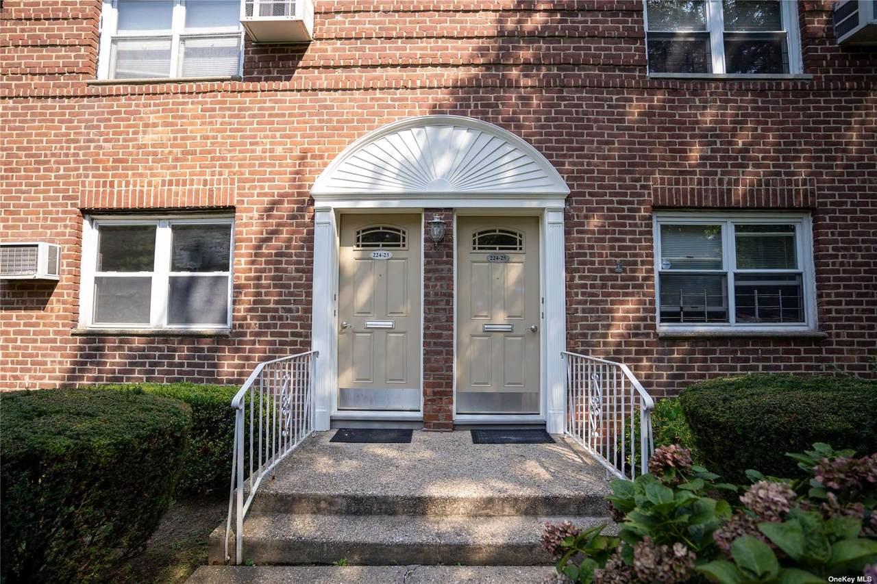 224-23 Kingsbury Avenue - Photo 1