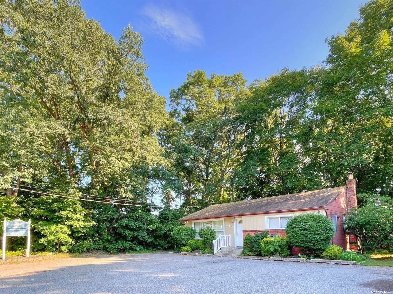 512 Country Road - Photo 1