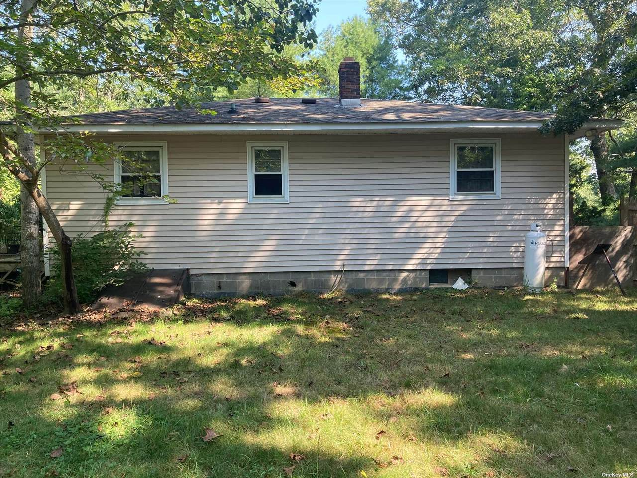 189 Old Country Road - Photo 1