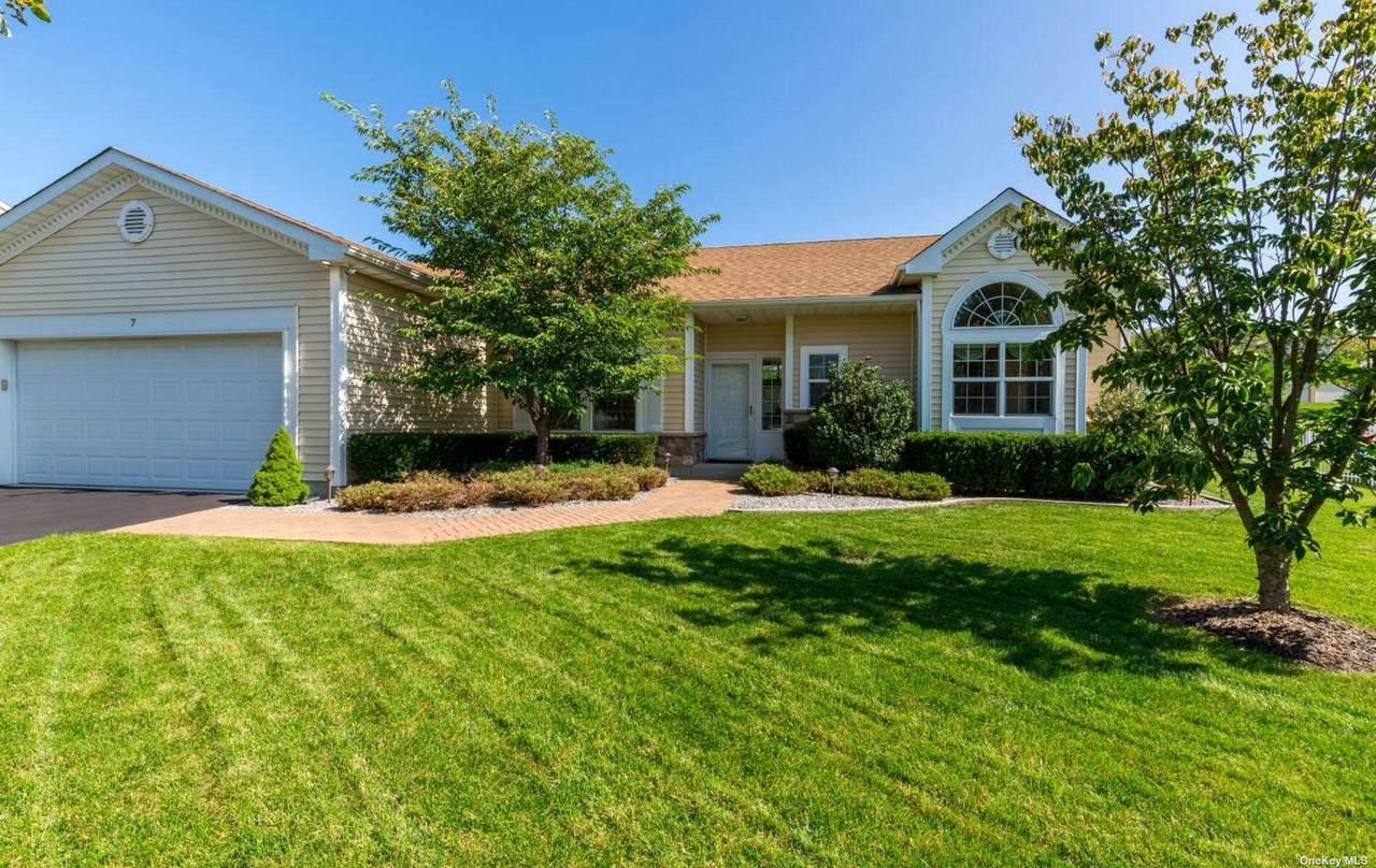 7 Country Wood Drive - Photo 1