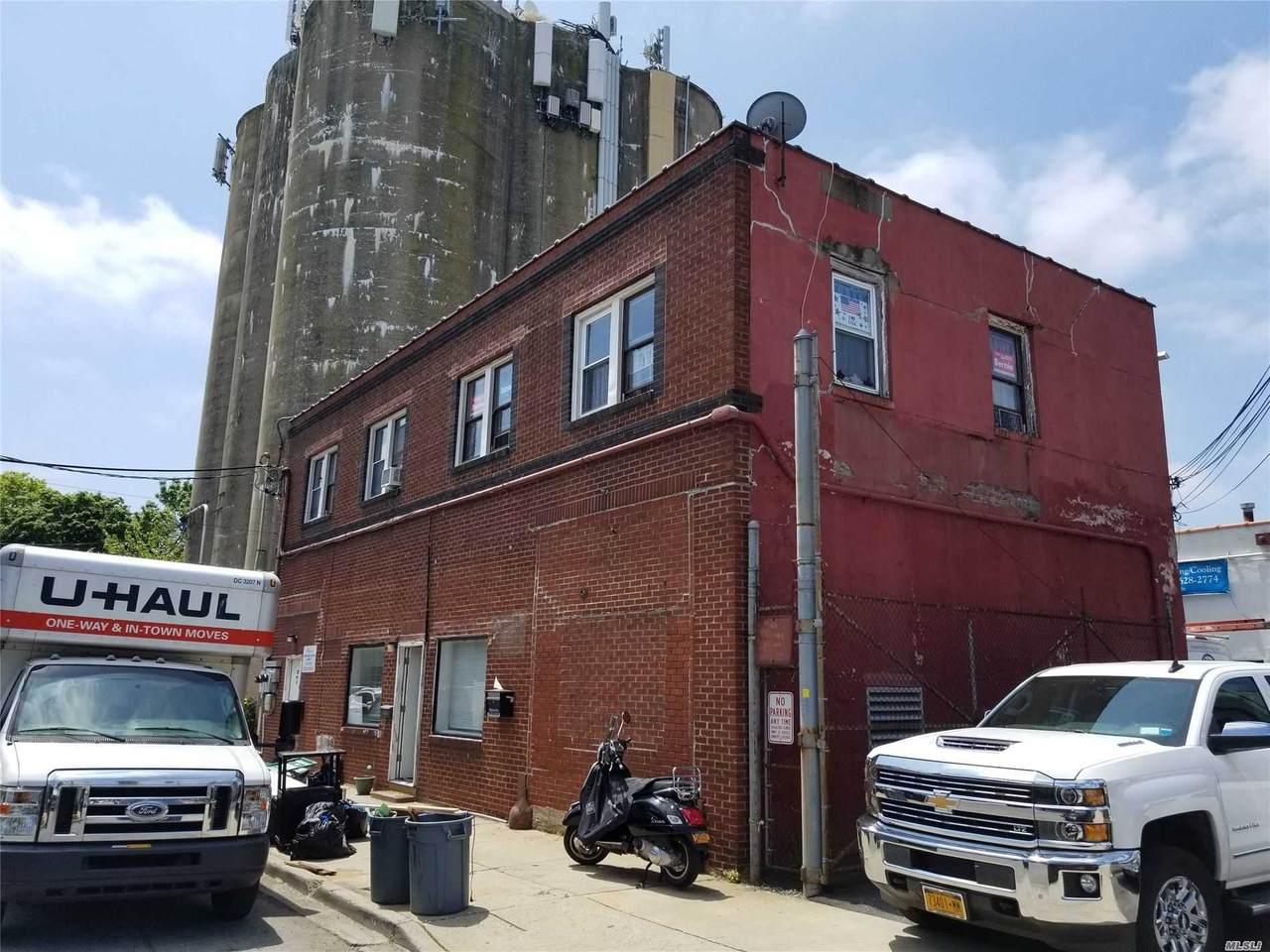 22 Van Buren Avenue - Photo 1