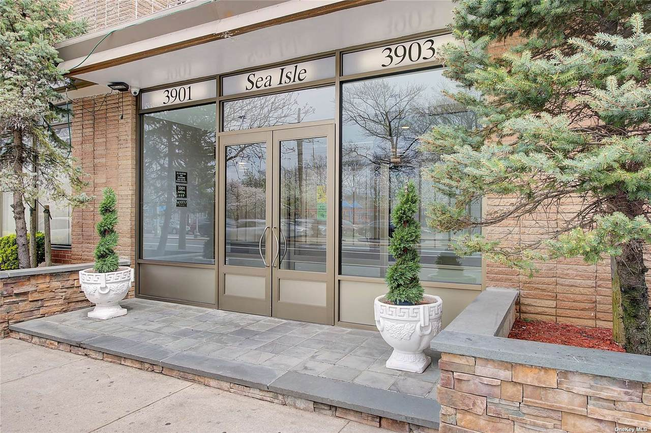 3903 Nostrand Ave - Photo 1