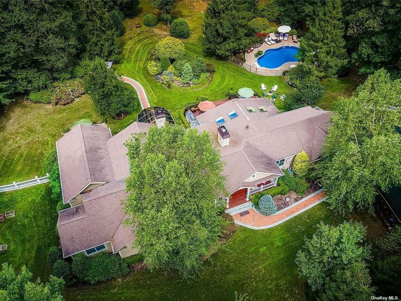 21 Camel Hollow Road - Photo 1