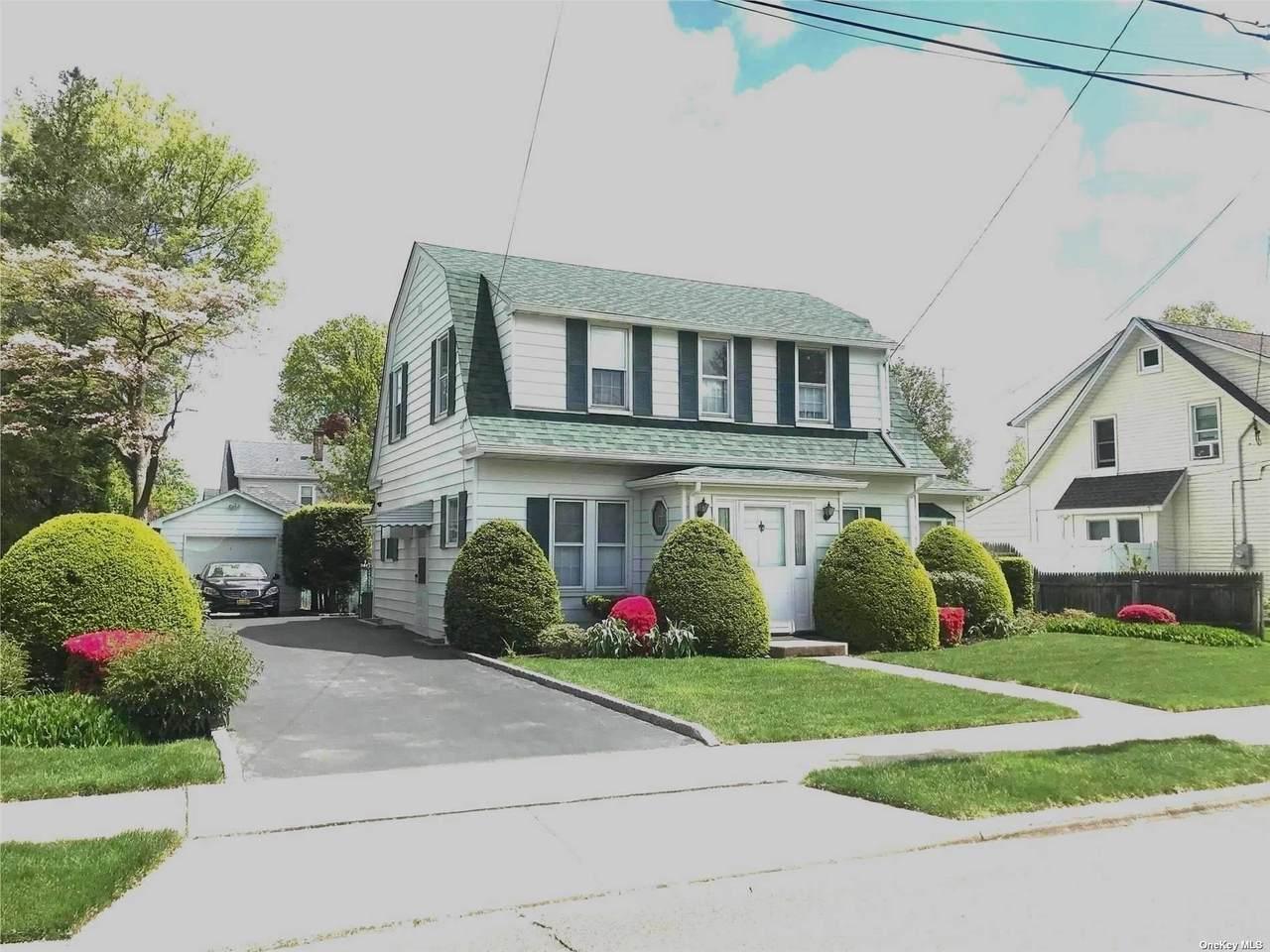 142 Manor Avenue - Photo 1
