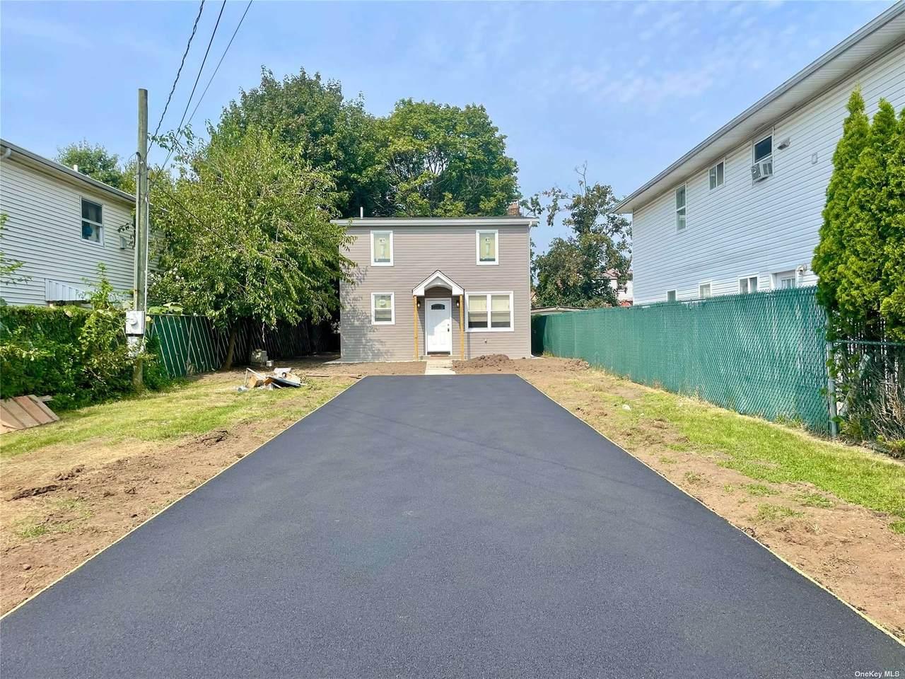 79 Robinwood Avenue - Photo 1