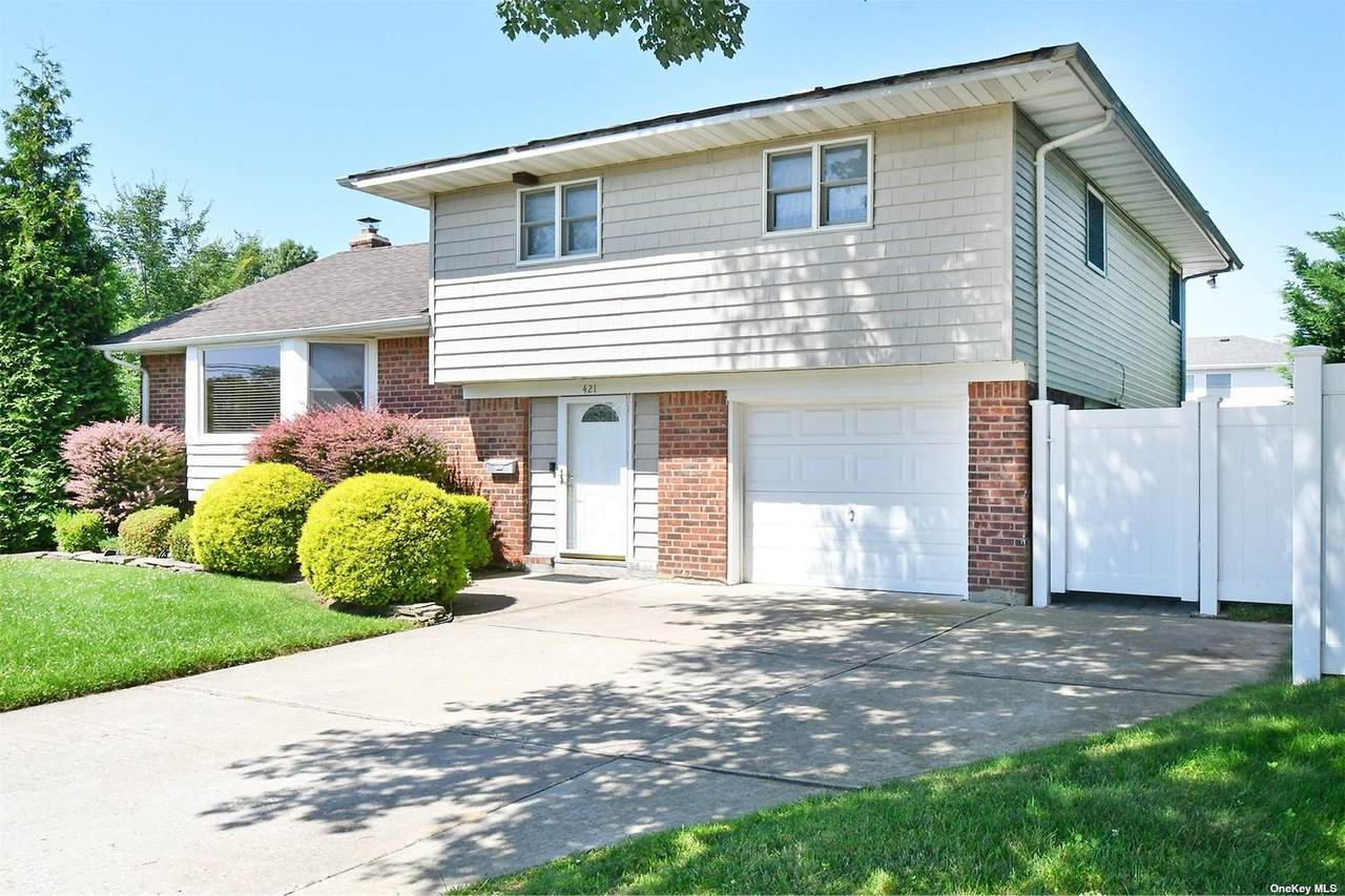 421 Central Drive - Photo 1