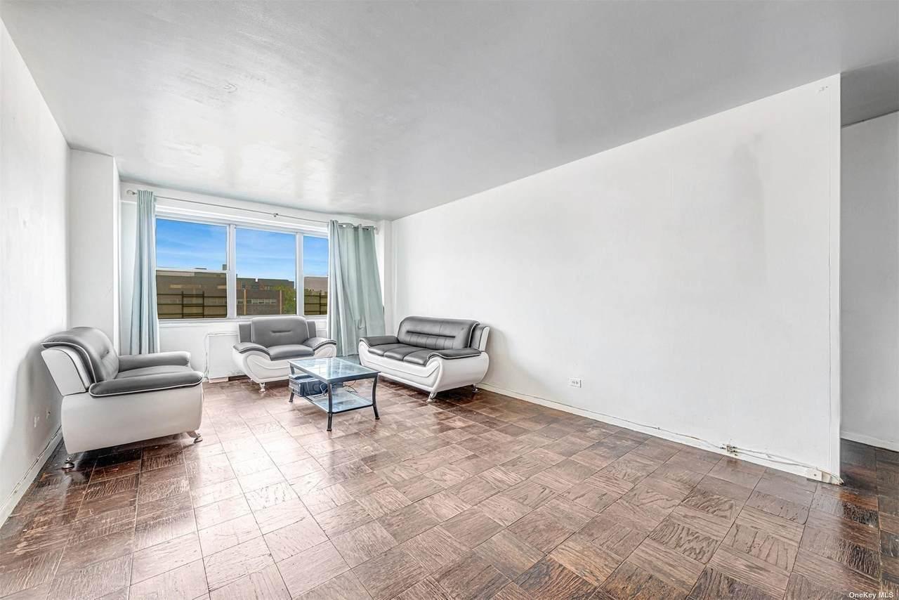175-20 Wexford Terrace - Photo 1