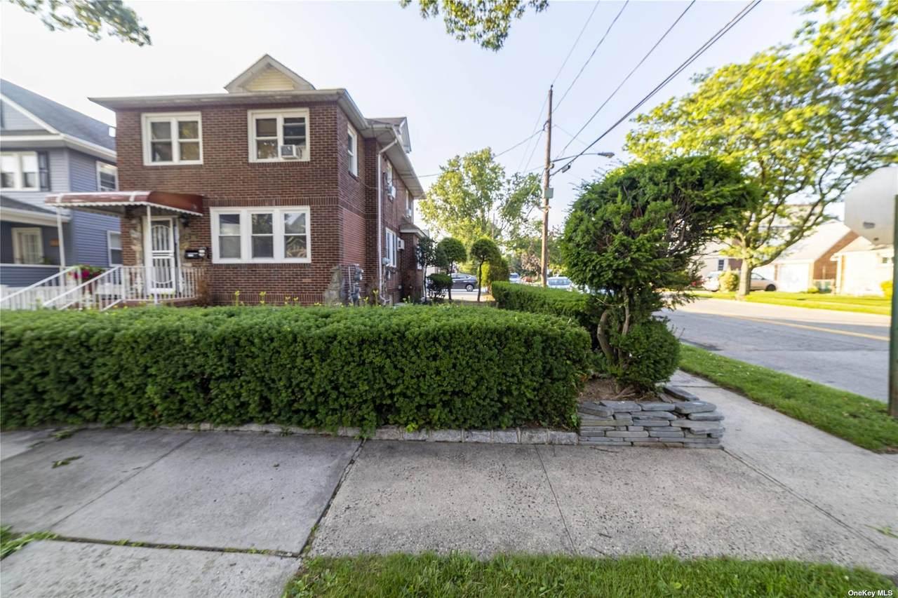 181 Lowell Avenue - Photo 1
