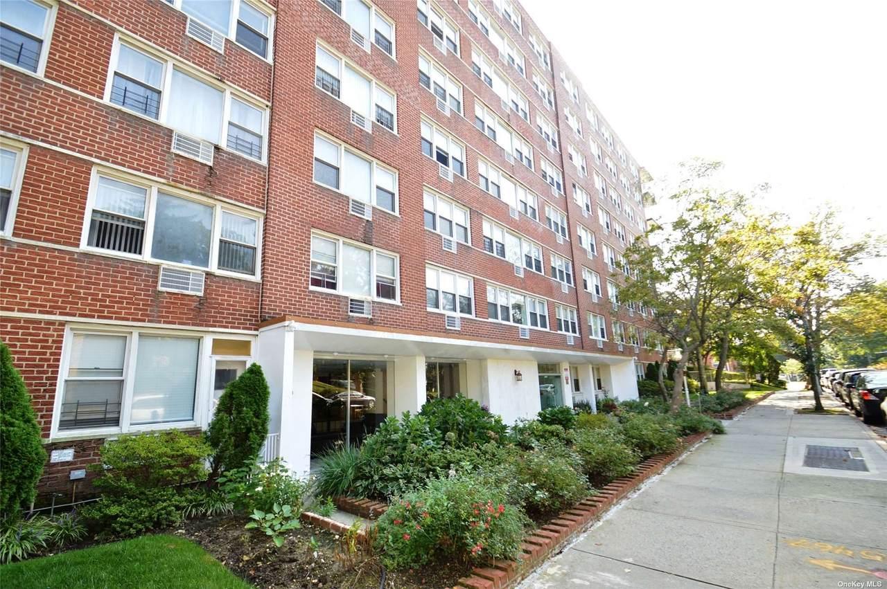 172-70 Highland Avenue - Photo 1