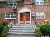 230-15 Grand Central Parkway - Photo 10