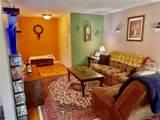 10 Oakwood Terrace - Photo 2