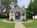36 Oakdale Manor - Photo 25