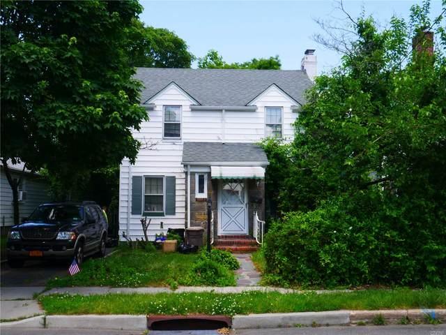 36 Maple Street, Malverne, NY 11565 (MLS #3134605) :: Kevin Kalyan Realty, Inc.