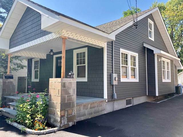179 E 17th Street, Huntington Sta, NY 11746 (MLS #3153016) :: Signature Premier Properties