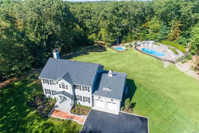 74 Wilton Road, Cold Spring Hrbr, NY 11724 (MLS #3178354) :: The Home Team